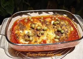 cuisiner merlan filet de merlan à la sauce tomate et olives au four darna