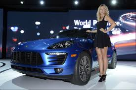 Porsche Macan Dark Blue - world premiere for the compact suv from porsche u2013 the macan