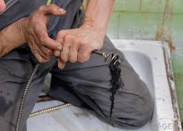 Best Way To Clean Bathtub Drain What Are The Pros And Cons Of A Sulfuric Acid Drain Cleaner