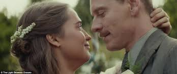 A Light Between Oceans Michael Fassbender And Alicia Vikander Appear In The Light Between