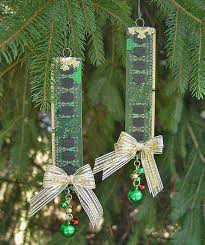 Recycled Garden Decor Top 36 Simple And Affordable Diy Christmas Decorations Amazing
