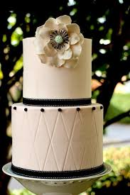wedding cake delivery top tips for a successful wedding cake