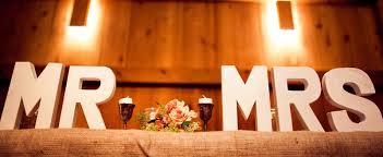 Mr Barn Barn Wedding Il Photographers Mr And Mrs Wood Signs