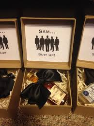 wedding gift groomsmen best 25 groomsmen invitation ideas on groomsmen boxes