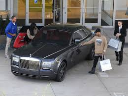 roll royce celebrity kylie jenner shopping new rolls royce 11 04 2015 hawtcelebs
