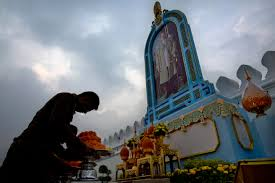 thais mark 1 year since king u0027s death with prayers ceremony 98 7