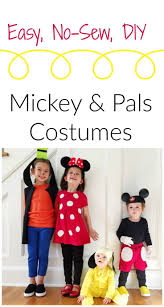 Family Disney Halloween Costumes by 123 Best Halloween At Disney Images On Pinterest Happy Halloween
