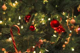 how to string lights on a tree christmas decorations is less more