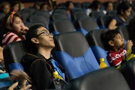 Deaf Blind Movie Sm U0027s Special Movie Screening For The Blind And Deaf Cnn Philippines