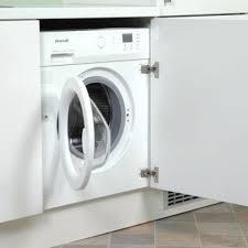 lave linge dans cuisine lave linge encastré sous un plan de travail de cuisine