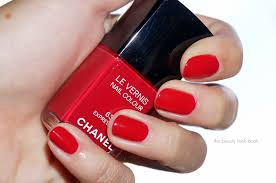 chanel le vernis nail colour in intention 633 expression 635 and