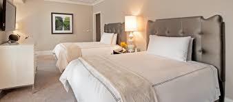 deluxe room with 2 queen beds waldorf astoria chicago
