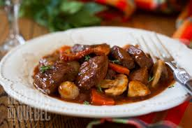 cuisiner un boeuf bourguignon boeuf bourguignon recettes du québec