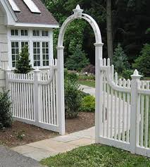 gooseneck picket fences