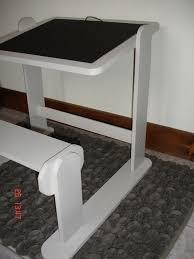 bureau tableau enfant petit bureau enfant avec ardoise et tableau magique atelier