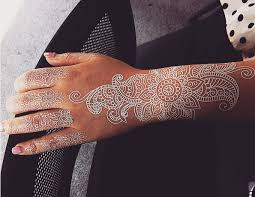 henna tattoo how much does it cost white henna style tattoos are the latest trend in temporary body art
