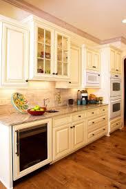 cream kitchen cabinets what colour walls bathroom kitchen cream cabinets good looking ideas about cream