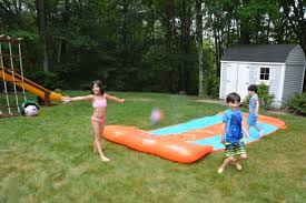 h2ogo backyard water toys and a tether ball splash giveaway
