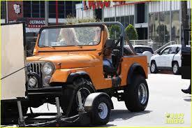 jay z jeep britney spears u0026 iggy azalea go back to 80s for music video shoot