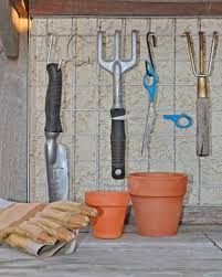 prepare your gardening tools for winter vegetable gardener