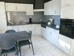 repeindre des meubles de cuisine rustique repeindre meuble cuisine rustique beau meubles cuisine bleu gris