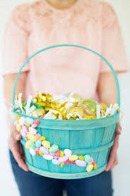 baskets for easter how to make personalized gift baskets for easter lovely indeed