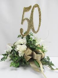 White Rose Centerpieces For Weddings by Best 25 50th Anniversary Centerpieces Ideas On Pinterest