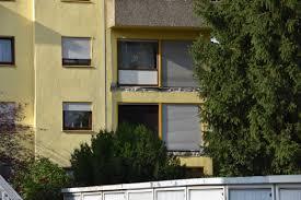 krã uter fã r den balkon balkon abgebrochen zwei verletzte personen wiwa lokal lokale