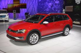 vw volkswagen 2017 2017 vw golf alltrack has dual exhaust and red paint like a gti in