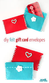 easy felt gift card pouches moms and crafters