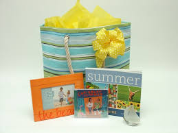 summer gift basket the 25 best summer gift baskets ideas on summer gifts