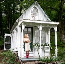 Shabby Chic Garden by I Love This Great Idea For A Tiny House Victorian Cottage Or