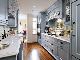 kche landhausstil küchen im landhausstil kleine küche einrichten graue