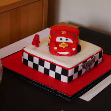 lightning mcqueen cakes lightning mcqueen birthday cake mummy makes cakes