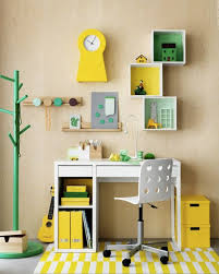 deco bureau enfant 10 idées déco pour un bureau d enfant shake my