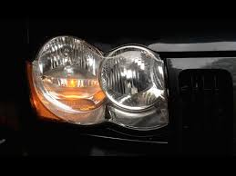 2005 jeep grand headlights how to jeep grand headlight bulb replacement 2005 2010