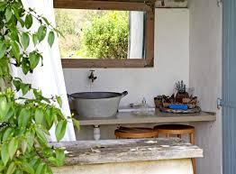 evier cuisine exterieure un évier d extérieur recyclé diy recup relooking
