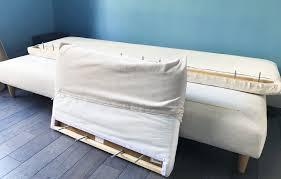dessus de canapé ikea changer sa housse de canapé ikea avec bemz