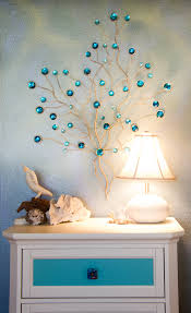 beautiful lamp great accessories and faux finished walls are a
