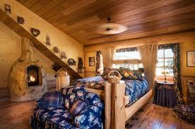 17 cozy log cabin bedrooms you wish you could sleep in page 3 of 3
