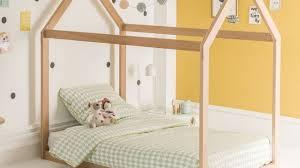 chambre bébé montessori méthode montessori aménager une chambre selon cette pédagogie
