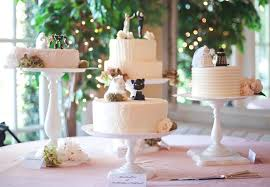 wedding cake table 13 tips for a tempting cake table