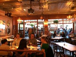 The Patio Resturant The Pink Door Pike Place Market In Seattle Wa Recommend For