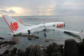 lion air lion air plane crash lands in bali abc news australian