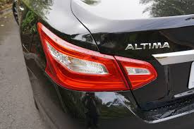 nissan altima 2015 trunk 2016 nissan altima sl review digital trends