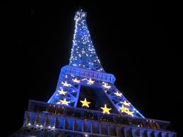 eiffel tower christmas lights discovering the city of lights by christmas paris design city and