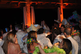 tips for your wedding dance floor djs songs and props make a