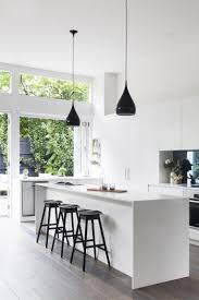 cuisine classique chic cuisine blanc et noir 40 propositions qui donnent envie d u0027essayer