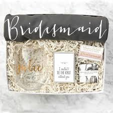 bridesmaids invitation boxes best 25 brides and bridesmaids ideas on