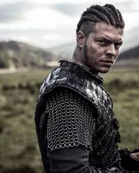 what is a viking haircut vikings is showing us all how to rock the man bun the right way